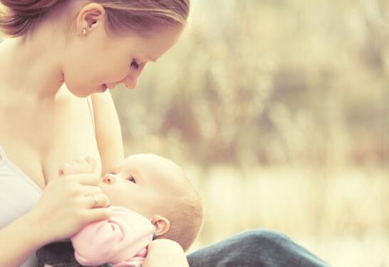 母乳喂养之母乳如何保存以及加热